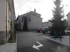Parking à proximité de l'école.