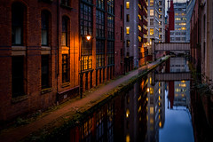 Rochdale Canal - Manchester photo by Rob-Shanghai