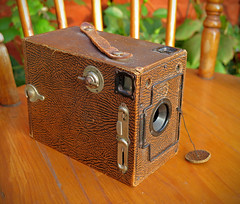 ENSIGN 2 1/4 B BOX CAMERA made by HOUGHTON and BUTCHER LTD of London. c 1930 (Explored) photo by Paul Hillman. Catching up.
