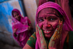 colorful girl during the Lathmar Holi festival photo by anthony pappone photography