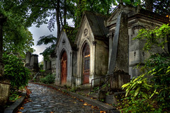 the spirit of pere lachaise photo by shapeshift
