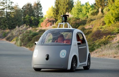 Googleの自動運転カーの正式なプロトタイプがついにお目見え。公道を走る時期も意外と近い? 2番目の画像