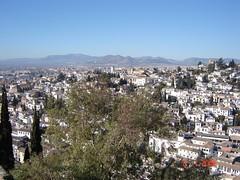 Pemandangan Bandar Granada Dari Atas Torre de la Vela kat Alcazaba di Alhambra, Granada, Spain
