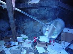 Pjöni und der Mülleimer 04