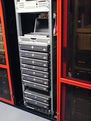 Vorderansicht auf einen Server-Schrank