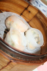 Steamed prawn and scallop dumplings