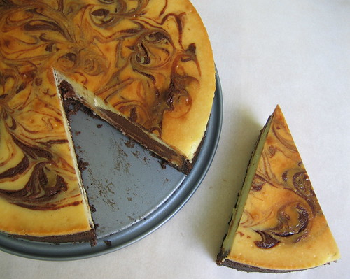 vanilla choc swirl cheesecake slice top