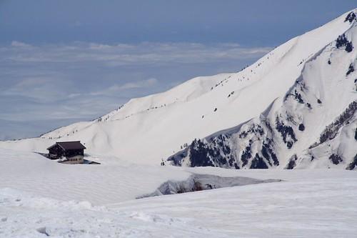雪地裡的小屋