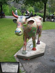 No 2 The Golden Cow of Craigmillar at Edinburgh Cow Parade 2006