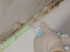 removing caulk 2