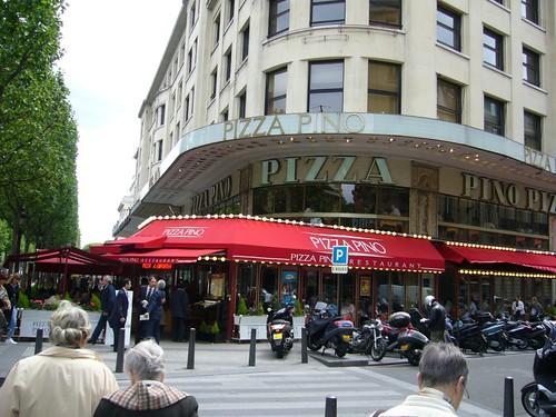 باريس وشارع الشانزليزيه 164141942_e0e613a0ea