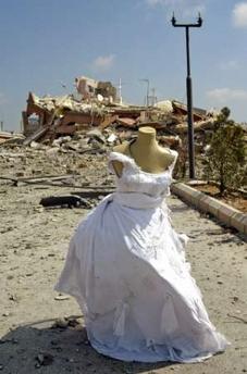 Reuters-wedding-dress