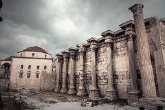 columns photo by jaumescar