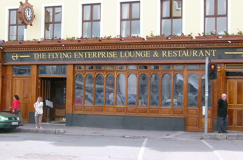 Flying Enterprise lounge and Bar