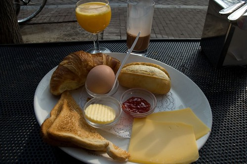 breakfast at cafe luxembourg