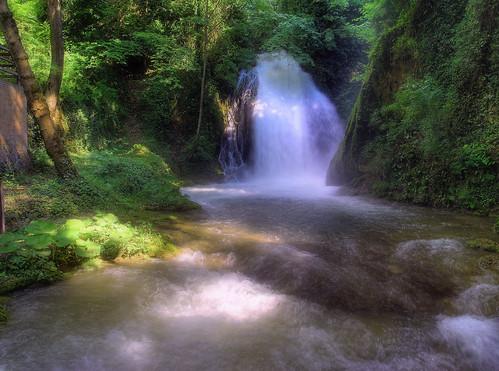 Waterfall // Cascada