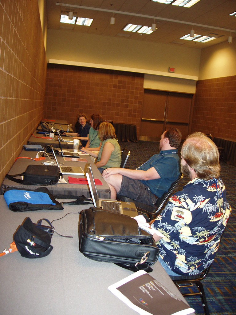 LITA Bloggers have a meeting in the blogging room at ALA2006