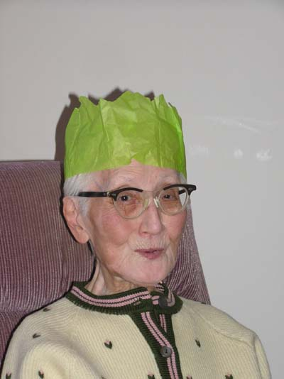 Ruth's mom in a green paper crown!