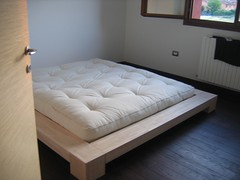 Casa moderna, Roma Italy: Letti giapponesi ikea