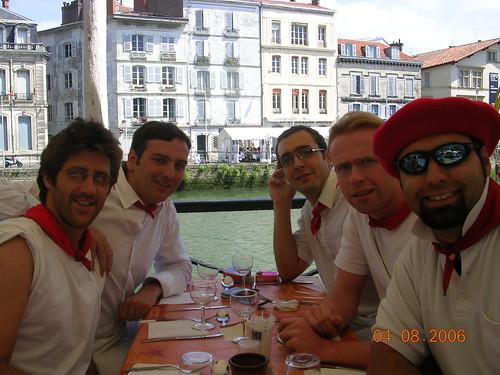Samedi - Repas traditionel a Bayonne sur la Nive