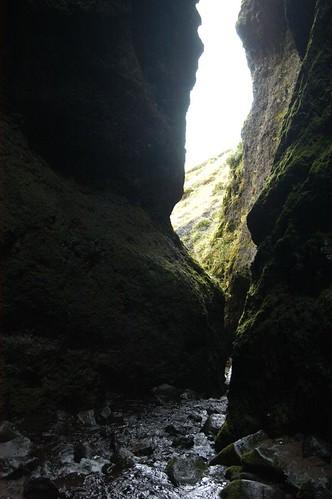 Stream,_canyon_@_Raudfeldargia,_Iceland.jpg