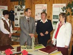Представитель администрации Президента РФ Шишкин В.В. беседует с администрацией гимназии