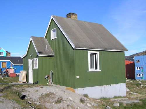 d.03.-05.07.06 -isbjerge, hunde og nymalet hus. 033 (5)