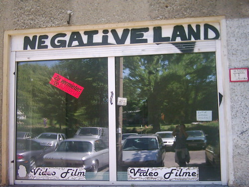 selling.neg.land