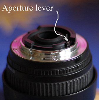Aperture lever on the Sigma 18-50mm f/3.5-5.6 lens