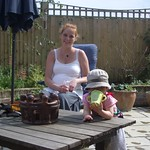 Chilling with Sanne<br/>13 Jun 2006