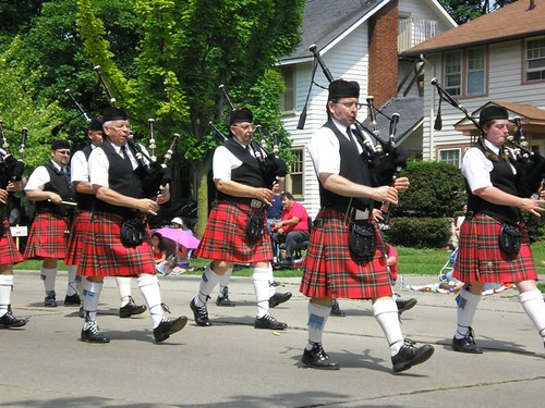 More People in Kilts