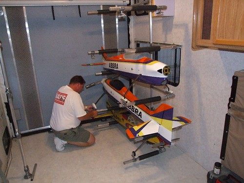 Modell-Flugzeug Träger (2)