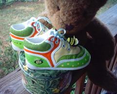 Bee-utiful baby shoes