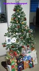 R&D Christmas Tree with Gifts