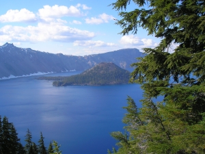 Crater Lake View and Wizard Island