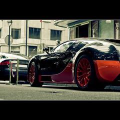 Bugatti Veyron SS au Plaza Paris photo by Zed The Dragon