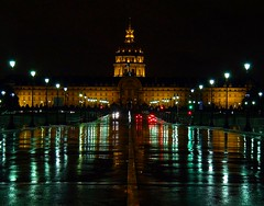 Landmarks at night of Paris photo by jackfre2