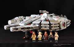 Star Wars Lego 7965 Millennium Falcon photo by KatanaZ