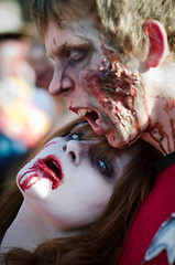 Zombie Trekkies in love photo by sharkhats
