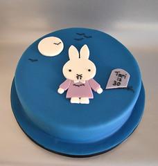 Vampire Miffy cake! photo by madebymariegreen