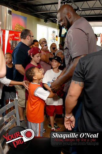 Shaquille O'Neal drops by your pie Tampa