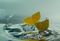 Refreshing oranges photo by HERNANTIPA
