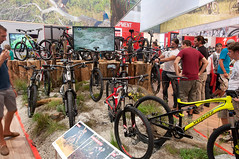 Specialized Stand