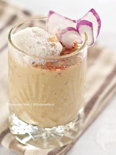 Crema di cicerchie al rosmarino, aria di mozzarella di bufala e polvere di peperoncino