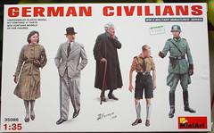 "Miniart ""35086 German Civilians"" -1"
