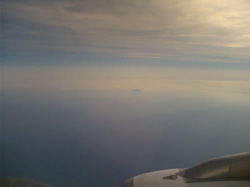 Une île, entre ciel et silence