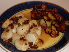 Scallops with Capers and Sun-dried Tomatoes