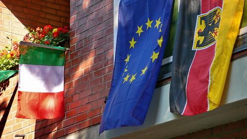 Fahnen in Hamburg Sankt Georg (Italien, Europa, Deutschland).