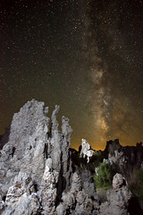 Milky Way over Mono Lake (facing south) photo by photofanman