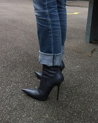 visit to friends - Rosina in grey GML boots photo by Rosina's Heels